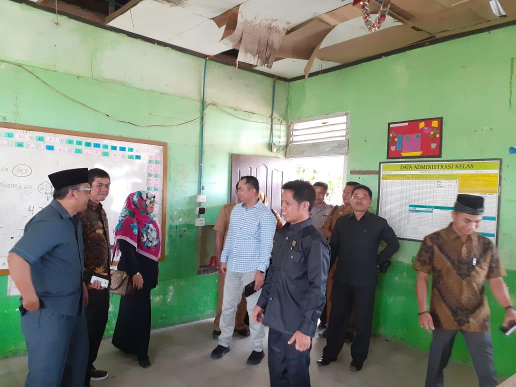 Komisi Iv Dprd Agam Tinjau Sdn 13 Ujung Labuang Dan Objek Wisata Pantai Torpedo ɍ